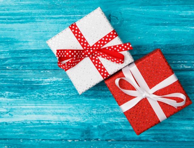 Что подарить парню на Новый год: сюрпризы для настоящих мужчин