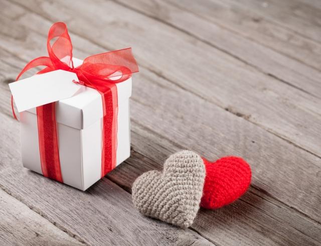 Подарок коллеге. Что подарить коллеге по работе на память?