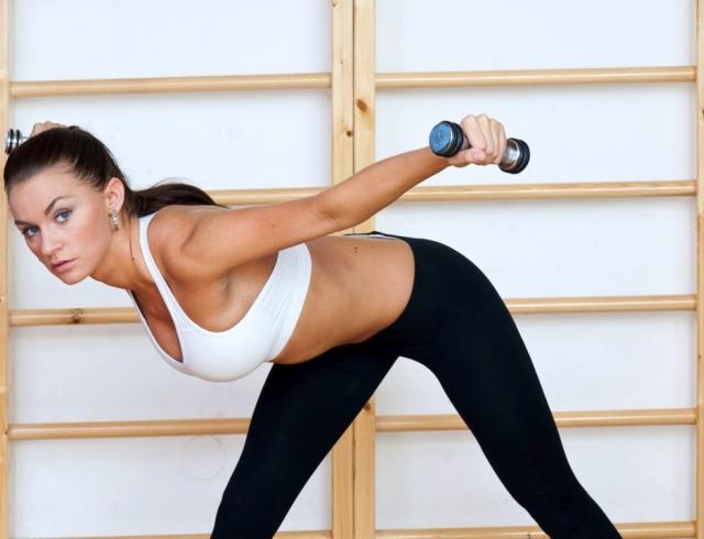 Можно ли вечером делать упражнения для похудения