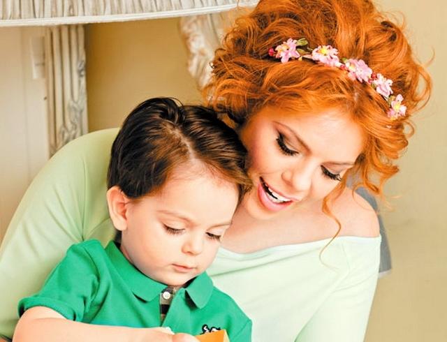 Анастасия Стоцкая наконец рассекретила мужа и отца своего ребенка (ФОТО)