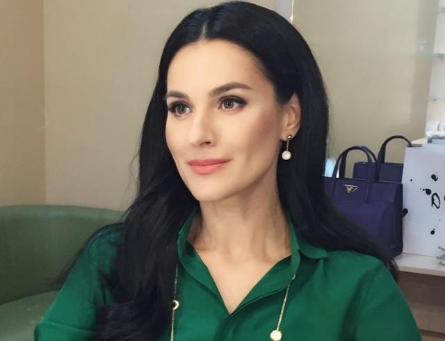 """Маша Ефросинина рассказала о сексуальности и любви к """"бабушкиным"""" платьям"""