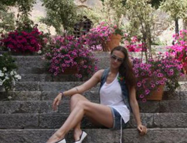 Алена Водонаева отдыхает с семьей на Сицилии. ФОТО