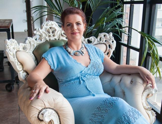 Как экстрасенсы зарабатывают на жизнь: бизнес-история ясновидящей Елизаветы Лилеевой