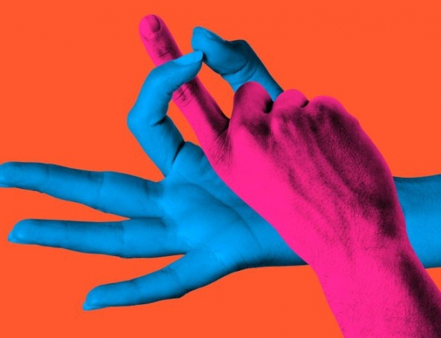 Лучший друг клитора – это его пальцы: как научить парня работать руками
