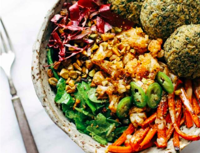 Чем необычным дополнить меню в пост: тренды вегетарианства на 2017 год