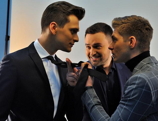 """Сценарист """"Евровидения-2017"""" восхитился красотой мужского трио ведущих"""