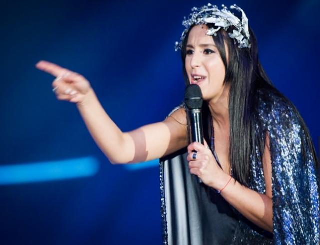 """Скандал на """"Евровидении"""": во время выступления Джамалы неизвестный мужчина показал пятую точку (ВИДЕО 18+)"""