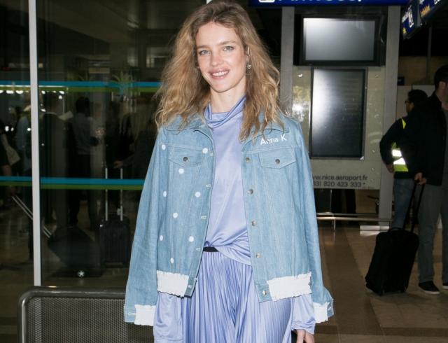 Налегке: супермодель Наталья Водянова в стильной куртке украинского дизайнера Anna K
