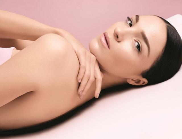 Не блести: матирующие средства, которые спасут макияж в жаркую погоду