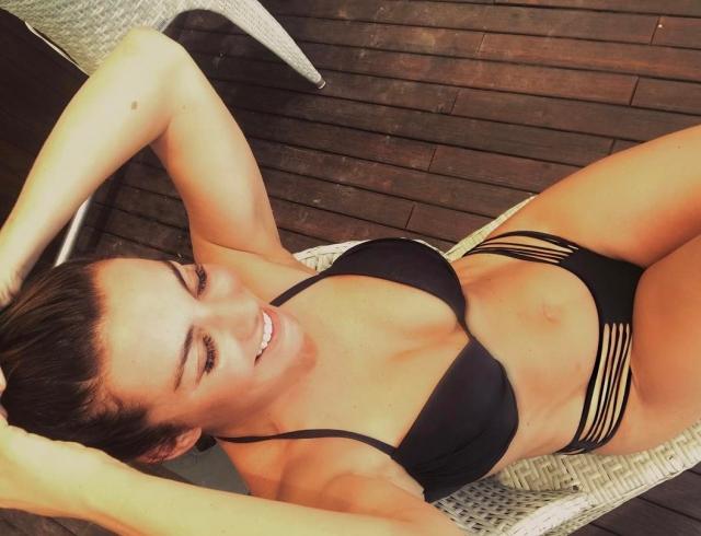 """Анна Седокова оправдалась за пикантные фото в соцсетях: """"О моей сексуальной жизни можно не волноваться"""""""