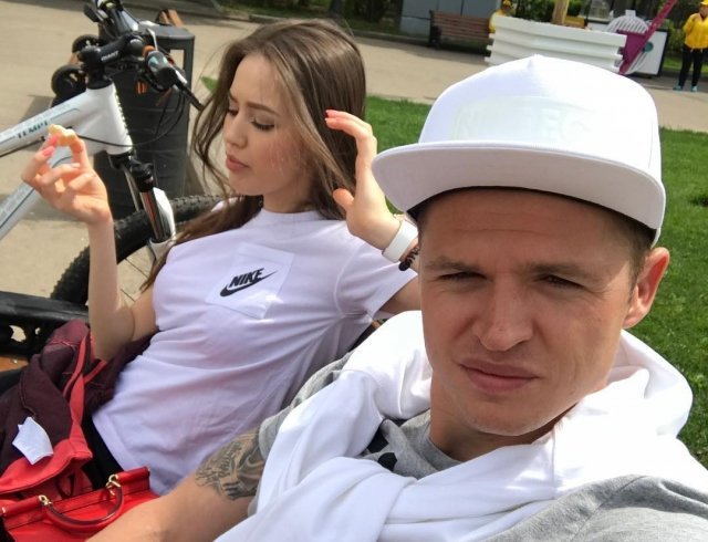 Романтика в Дубаи: Дмитрий Тарасов и Анастасия Костенко отметили полгода отношений (ФОТО)