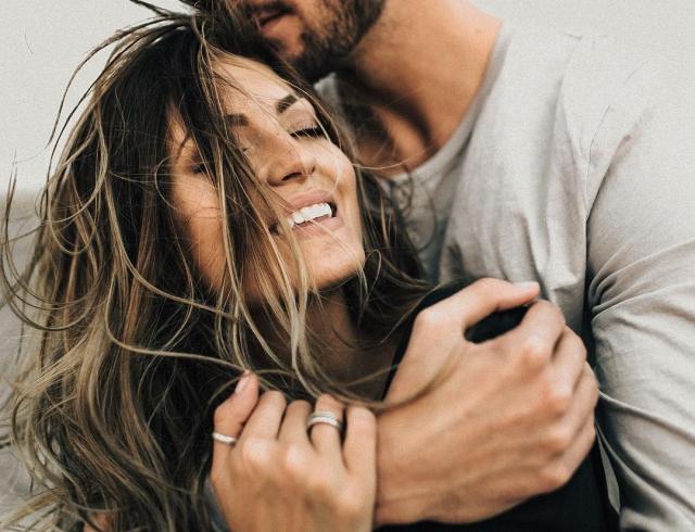 Как принято поздравлять в День внезапных поцелуев 6 июля