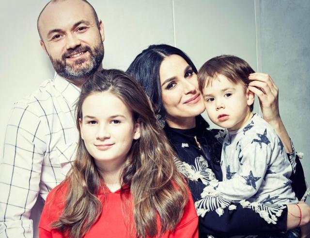 Маша Ефросинина покорила соцсети ярким семейным ФОТО