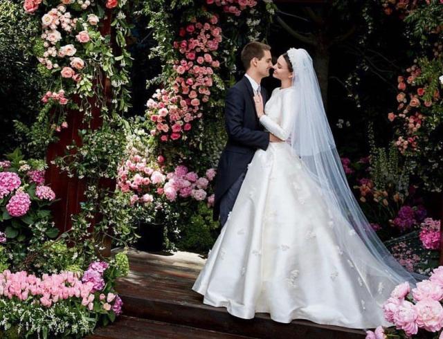 Тайная свадьба Миранды Керр: модель вышла замуж в платье Dior в стиле Грейс Келли