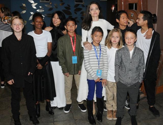 Как выглядят подросшие дети Джоли и Питта: гены самой красивой пары Голливуда в деле