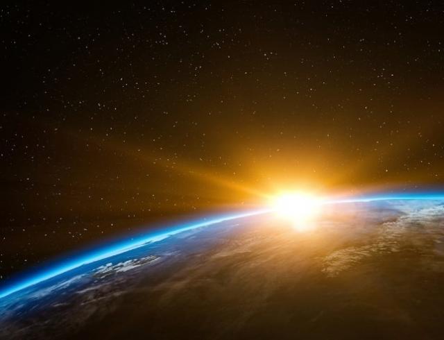 На Солнце произошла сильнейшая вспышка: планета окунулась в волну магнитных бурь