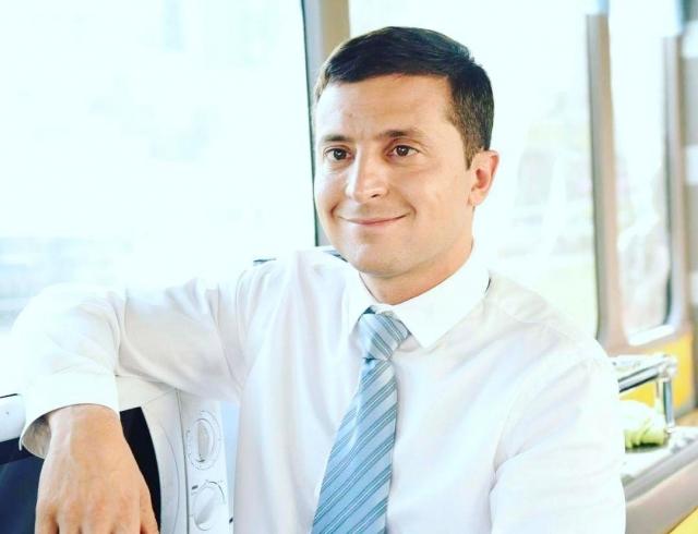 Как Владимир Зеленский без одежды по Киеву на велосипеде рассекал (ФОТО+ВИДЕО)