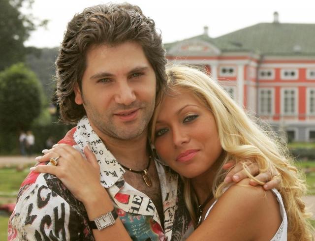 Авраам Руссо разводится: супруга хочет отсудить у певца роскошный особняк