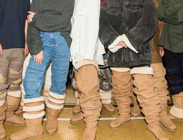 """В Сети обсуждают """"самую уродливую обувь"""" угги-ботфорты"""