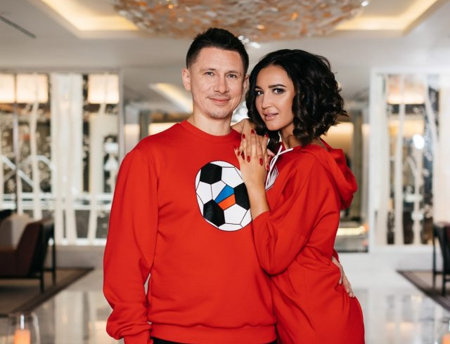 Снова случайно: Ольга Бузова и Тимур Батрутдинов снялись для лукбука к 14 февраля