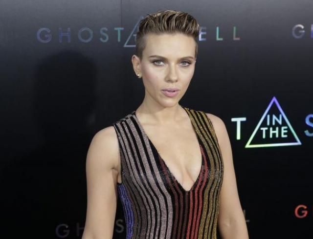 Скарлетт Йоханссон признали обладательницей самых сексуальных губ