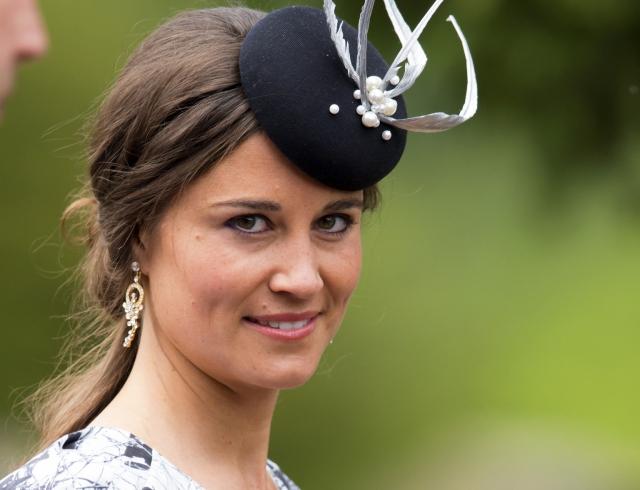 Кейт Миддлтон надела схожий  наряд, что ипринцесса Диана после родов
