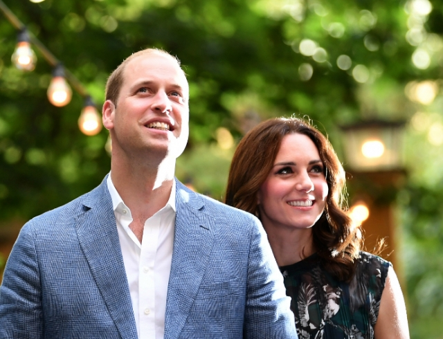 Винтернете появились скандальные кадры Кейт Миддлтон, принца Уильяма ипринца Гарри