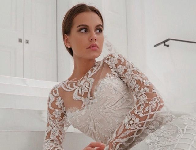 Даша Клюкина примерила свадебное платье и показала обручальное кольцо (ФОТО)