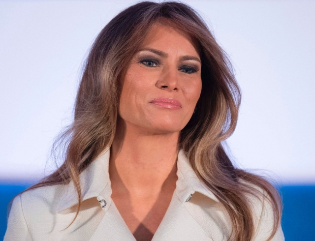 Само совершенство: Мелания Трамп восхитила элегантным образом
