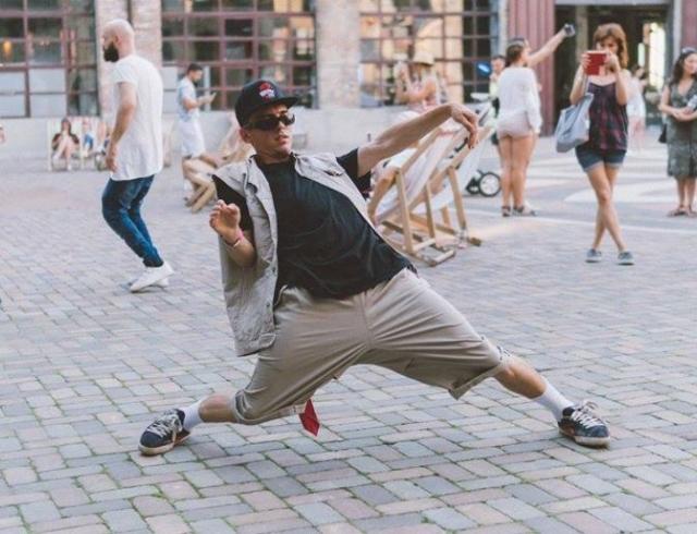 8 главных атрибутов хип-хоп культуры: рифмы, грилзы, кэш