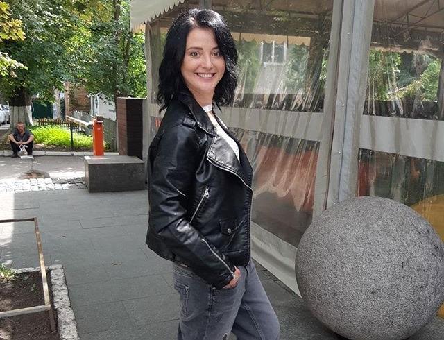 Экс-пацанка Ирина Слюнько вышла замуж и надела кольцо из пробки от шампанского