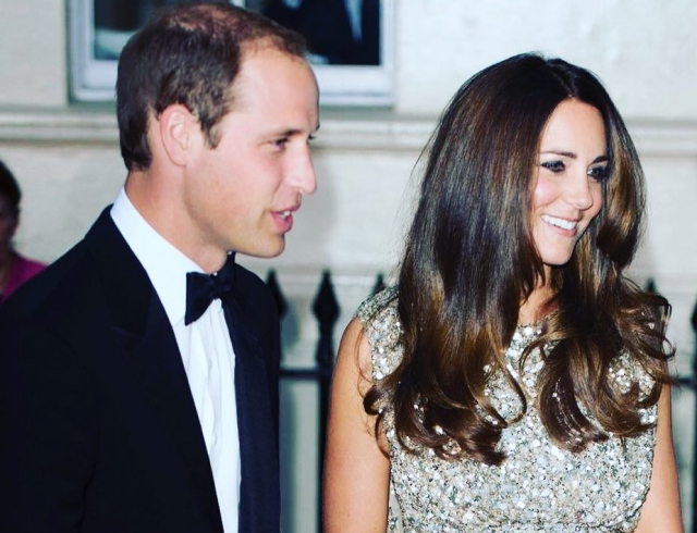 Принц Уильям разослал поклонникам свой портрет в знак благодарности