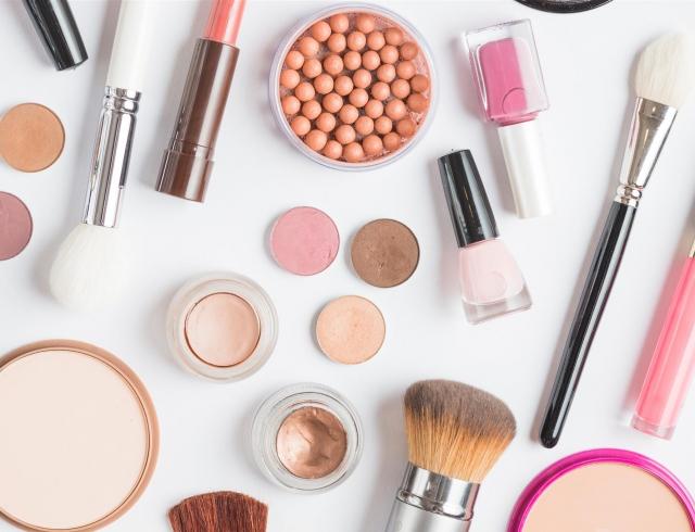 ТОП-11 советов: как сделать макияж, который молодит