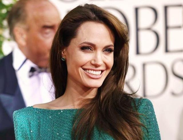 Анджелину Джоли увидели за незаурядным занятием