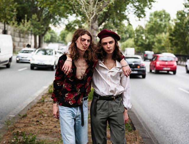Братья-близнецы из Украины презентовали новые кроссовки Valentino