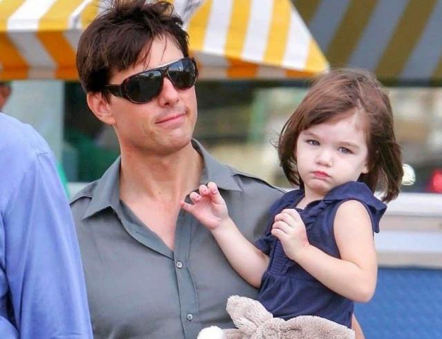 Почему Том Круз не общается с дочерью Сури названа истинная причина