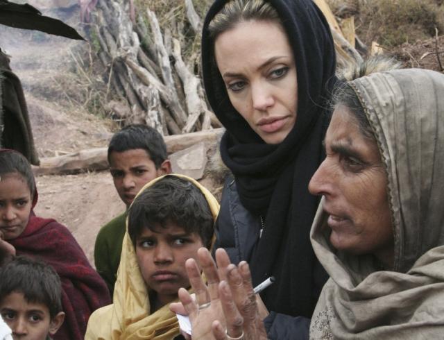 СМИ: Анджелина Джоли усыновит еще одного ребенка