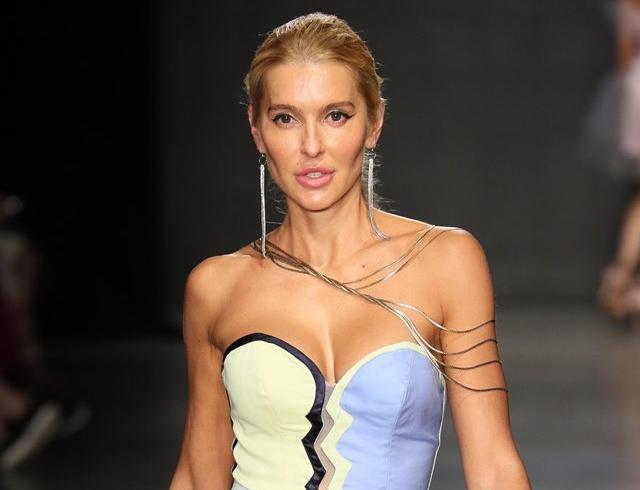 """Ежедневно училась ходить"": Анна Буткевич дебютировала на подиуме New York Fashion Week"