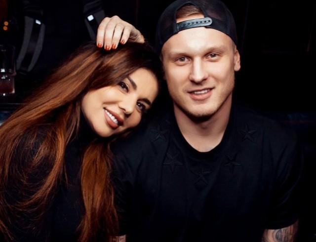 """Анна Седокова намекнула на расставание с бойфрендом: """"Нужно разрывать связи, которые тянут на дно"""""""